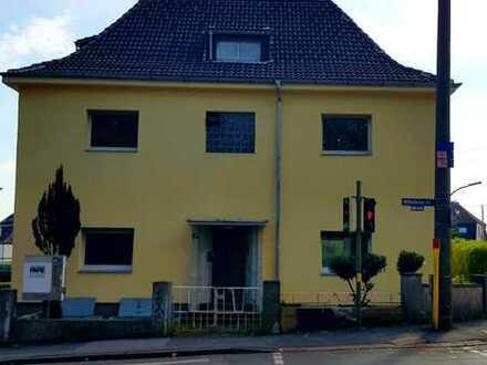 freistehendes Einfamilienhaus mit Einliegerwohnung und Garage im Dortmunder Süden