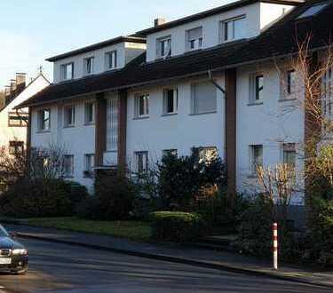 Klasse - 4 Z - Wohnung - eigener Garten und Terrasse - Südlage!!