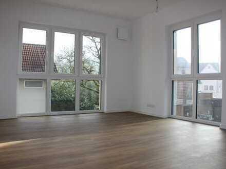 Großzüge, neuwertige, offene 3,5-Zimmer-Wohnung, barrierefrei mit 2 Balkons in Öhringen-Ohrnberg