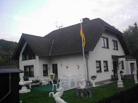Freundliche Wohnung mit fünf Zimmern und Garten in Remagen-Germany