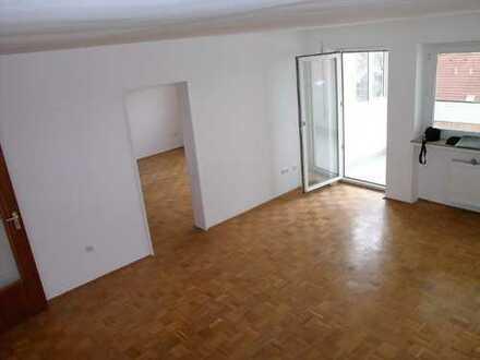 NEU renovierte 3-Zimmer-Wohnung mit Loggia und Einbauküche in Königsbrunn