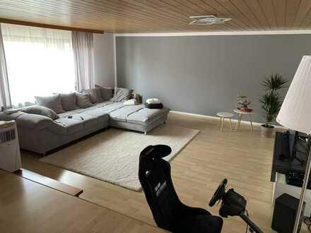 Gepflegte 3,5 - Zimmerwohnung im 1. OG mit Süd/Ost-Balkon für Nichtraucher