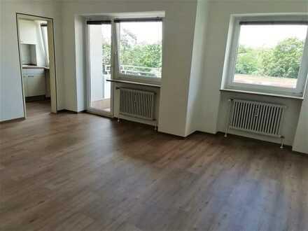 Erstbezug nach Sanierung mit EBK und Balkon: attraktive 1-Zimmer-Wohnung in Fürth