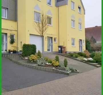 Wohnen auf verschiedenen Ebenen - Reihenhaus in ruhiger Lage von Hachenburg