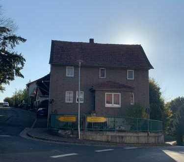 Schönes Haus mit insgesamt 5 Zimmern (incl Küche und Bad) in Bad Hersfeld (Kreis), Schenklengsfeld
