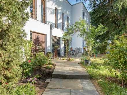FR-Lehen: 3,5-Zimmer-Erdgeschosswohnung mit Garten und altem Baumbestand