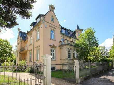 Luxuriöse, große Dachgeschoss Eigentumswohnung mit Dachterrasse in exklusiver Lage