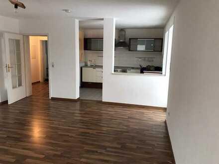 verkehrsgünstig gelegene Wohnung mit zwei Zimmern und Balkon in Mertingen