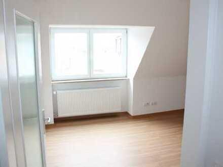 Erstbezug nach Sanierung: stilvolle 3-Zimmer-DG-Wohnung in Würzburg