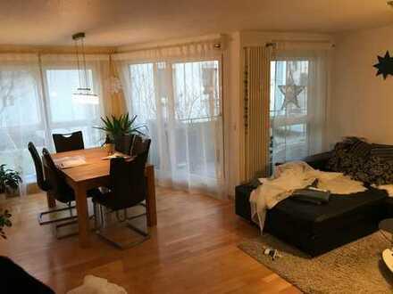 Schöne 3-Zimmer-Wohnung mit Balkon und EBK in Pfullingen-Zentrum.