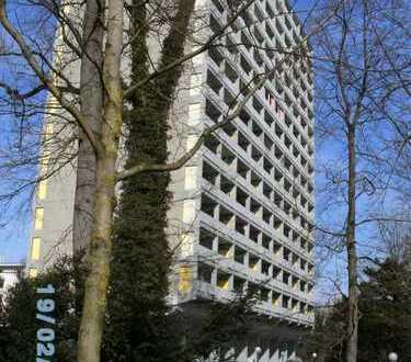 Stilvolle, vollständig renovierte 2-Zimmer-Wohnung mit Balkon in Thalkirchen, München