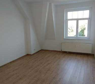 Striesen....Wohnküche unterm Dach // neu renoviert