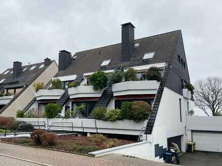 Stilvolle 2-Zimmer-Loft-Wohnung mit zwei Süd-Balkonen direkt am Rhein