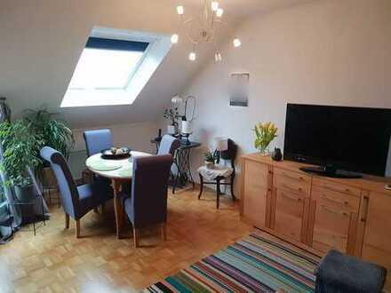 Zweizimmer-Dachgeschosswohnung mit Balkon und Aufzug - seniorengeeignet!