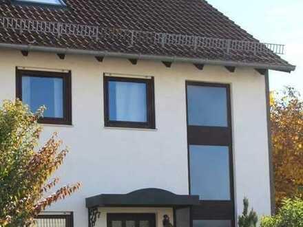 Ein Haus zu Weihnachten! REH in Germering mit  6 Zimmern, 158 m² Wohnfläche und Garten mit Jacuzzi