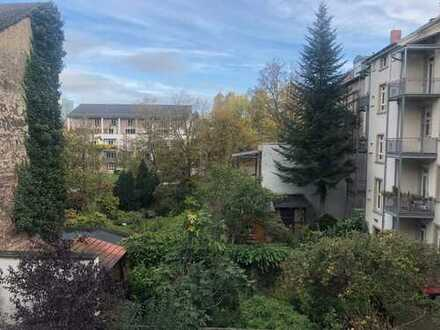Helle und neu sanierte 1 Zimmer Whg mit 2 Balkonen, Karlsruhe Südstadt