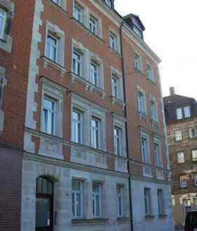 Stilvolle und vollständig modernisierte 5-Zimmer-Maisonette-Wohnung mit EBK in Nürnberg-Gostenhof