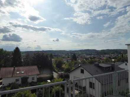 Vollständig renovierte 3-Zimmer-Dachgeschosswohnung mit Balkon in Rimbach