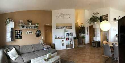 Gepflegte 3-Zimmer-Dachgeschosswohnung mit Balkon und Aussicht in Filderstadt