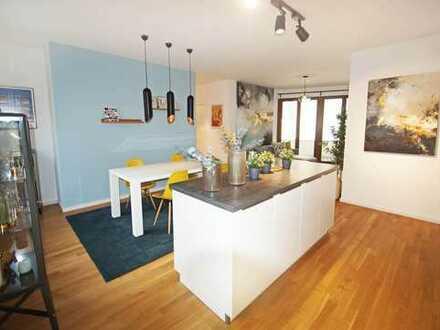 Exklusiv möblierte Drei-Zimmer-Wohnung mit Terrasse in Sachsenhausen