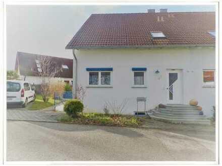 Tolle Doppelhaushälfte in ruhiger Lage mit Garten und 2xStellplätzen!