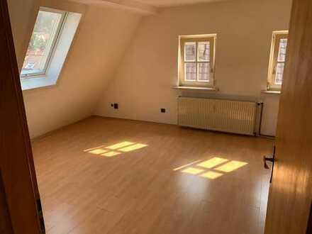 570 €, 60 m², 3 Zimmer