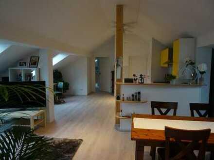 Traumhafte, moderne DG-Wohnung in Einfamilienhaus, Stadtnah in bester Lage