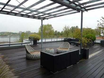 Penthouse-Maisonette Wohnung, Aufzug in die Wohnung, direkte Rheinlage, traumhafte Terrasse