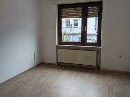 2-Zimmer-Wohnung im Herzen Landaus