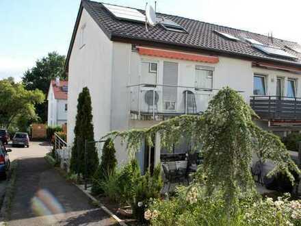 Schönes Reiheneckhaus mit sechs Zimmern in Malmsheim