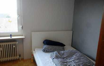 möbliertes 13m² Zimmer in netter 4er WG