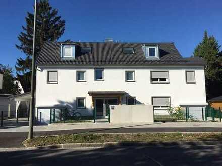Neuwertige 4-Zimmer-Penthouse-Wohnung mit Dachterrasse in Feldmoching, München