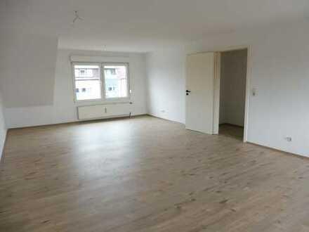 3 ZimmerKüche,Diele,Bad+Wanne ,kompl. Renoviert (kein Balkon)