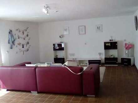 1- schönes möbliertes Zimmer mit Balkon in einer WG Wohnung mit Einbauküche in Seitingen-Oberflacht