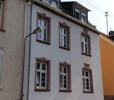 Erstbezug nach Sanierung: exklusive 3-Zimmer-Wohnung - WG geeignet