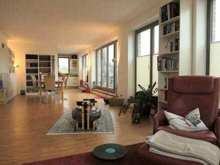Exklusiv wohnen im Quartier Amalie - 3 ZKB mit großer Dachterrasse und Aufzug bis in die Wohnung
