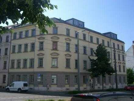 Kleine helle 2-Raum-Wohnung in Eutritzsch, Aufzug, EBK!