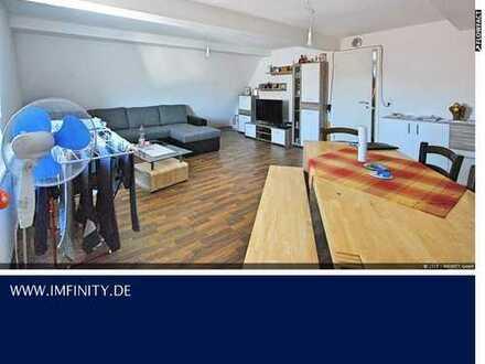 PREISSENKUNG ++ Dachgeschosswohnung + ruhige Lage ++ 2-Zimmer mit Außenstellplatz