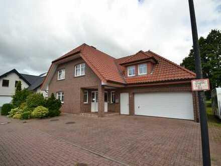 ++Foppe Immobilien++ Junges, sehr großzügiges Einfamilienhaus mit Garage im neuwertigen Zustand.