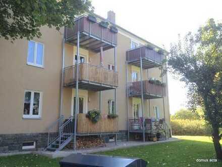 ** freundliche 2 Zimmer-Wohnung mit Balkon + Bad mit Fenster BW + Dusche