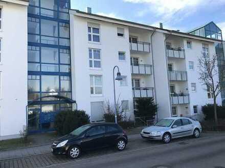 Ansprechende 2-Zimmer-EG-Wohnung in Laupheim (Anne-Frank-Strasse) mit Carport + Einbauküche