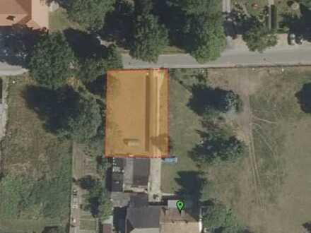 Baugrundstück_ca. 700 m²_Einfahrt_voll erschlossen