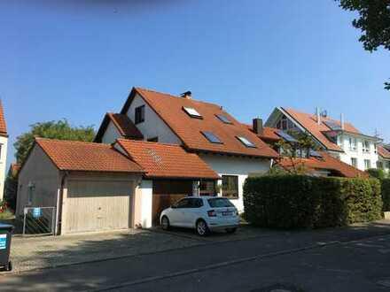 Großzügiges Einfamilienhaus mit Garten in einzigartiger Lage Tübingen Pfrondorf - direkt im Grüne