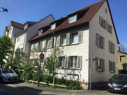 Schönes, geräumiges Haus mit 6 Wohneinheiten in Stuttgart, Bad Cannstatt
