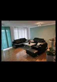 Freundliche 2-Raum-Wohnung mit EBK und Balkon in Einhausen