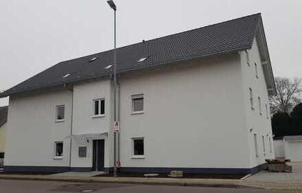 Neubau - großzügige 3 Zimmer DG-Wohnung zu verkaufen