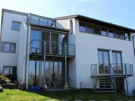 Einfamilienhaus mit Doppelgarage in bester Wohngegend mit Weitblick!