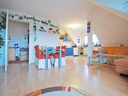 Wunderschöne 2-R-W * TG * Laminat * Balkon * Weitblick * Wohnküche * ruhig und grün *