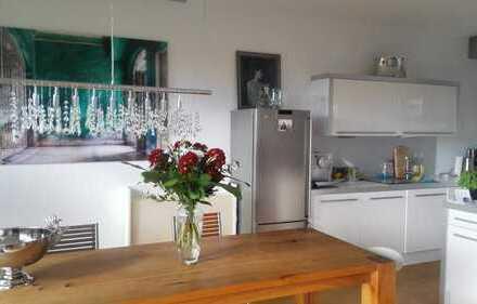 Exklusive Wohnung mit Aussicht in südlicher Hanglage an der Waldburg