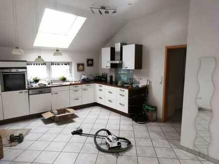 Sehr Schöne Moderne 2Zimmer Küche Bad Wohnung in Dreifamilienhaus